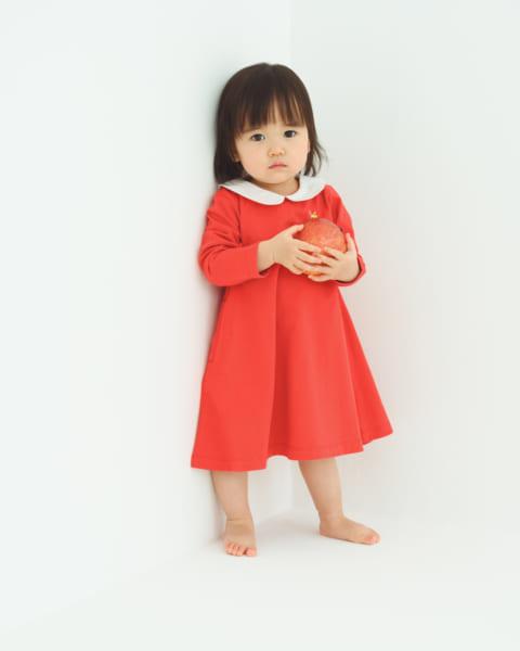 丸襟刺繍ワンピース はちちゃん 3,270円